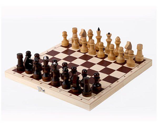 Шахматы обиходные в комплекте с доской