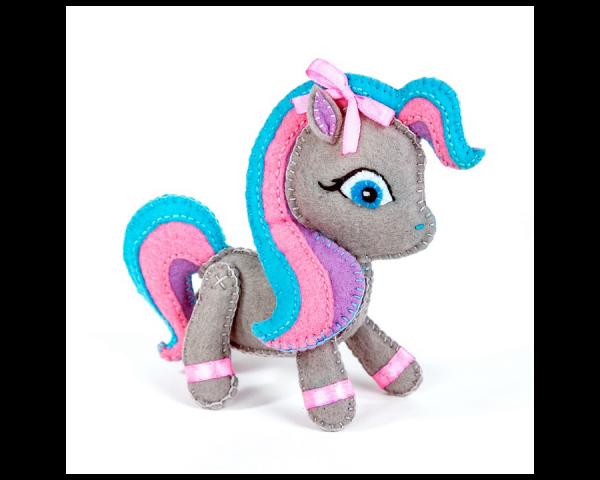 Набор для изготовления игрушки из фетра «Пони», 13 см