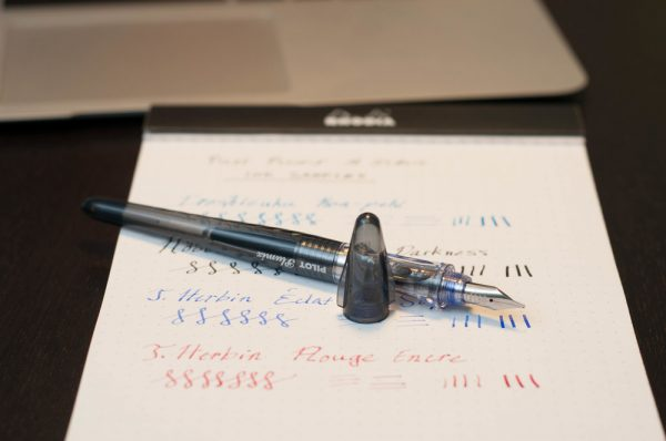 Ручка перьевая Pilot Plumix Neon Medium оранжевый корпус