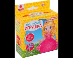 Пушистая игрушка из помпона «Принцесса»