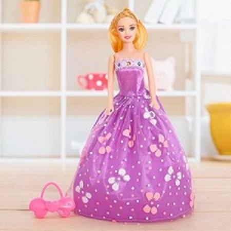 Кукла модель «Милана» в пышном платье с аксессуарами